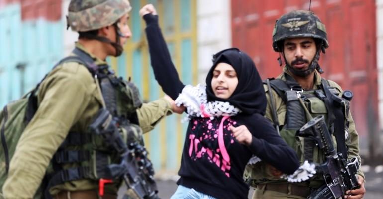 اعتقال النساء والفتيات